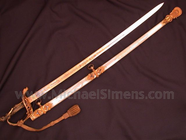 CIVIL WAR STATUE-HILT PRESENTATION SWORD.