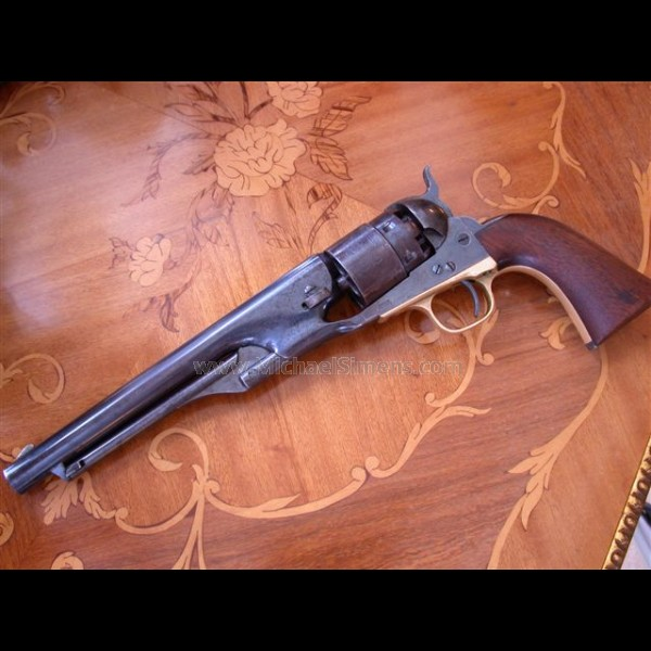 the cavalry and the colt a perfect combination Knife-gun combination  wyatt earp's colt cavalry model single action army revolver  a perfect holster to craft for the next western.