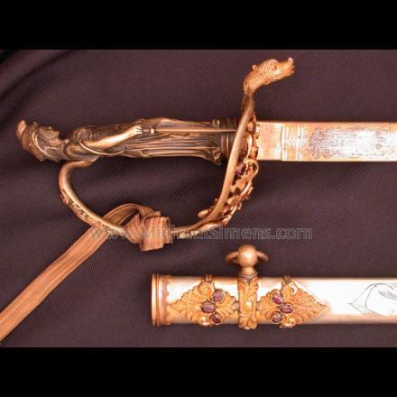 CIVIL WAR STATUE-HILT PRESENTATION SWORD.